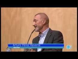 Lleno en CajaMurcia para estar con Arturo Pérez-Reverte