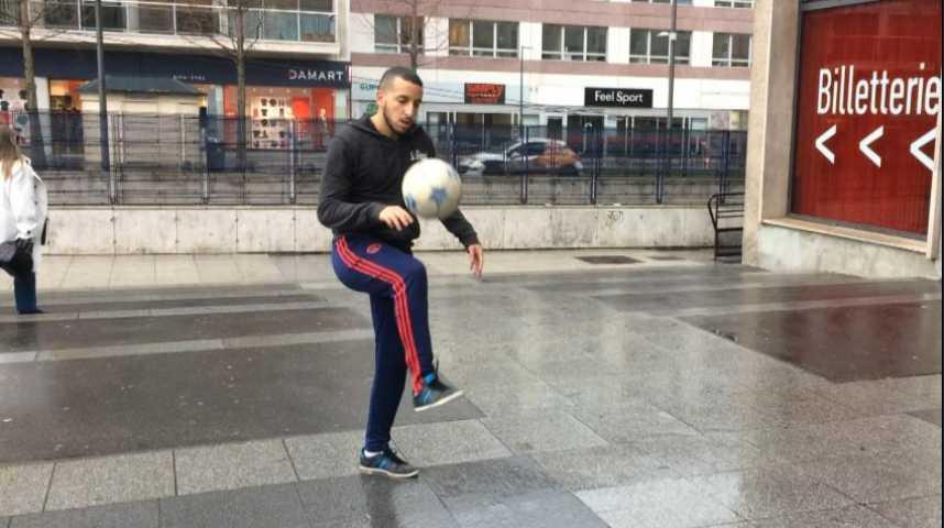 Leçon de foot free style avec Ilyes Medallel