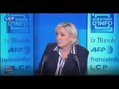 """Marine Le Pen demande à Richard Ferrand de """"poser sa démission"""" (vidéo)"""