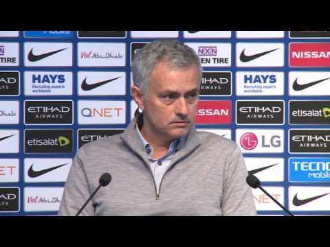35e j.- Mourinho : ''Rooney en milieu de terrain''