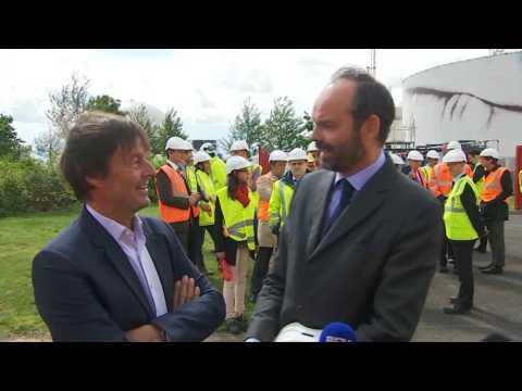 """Hulot aux côtés de Philippe : """"Il y a un chemin commun"""""""