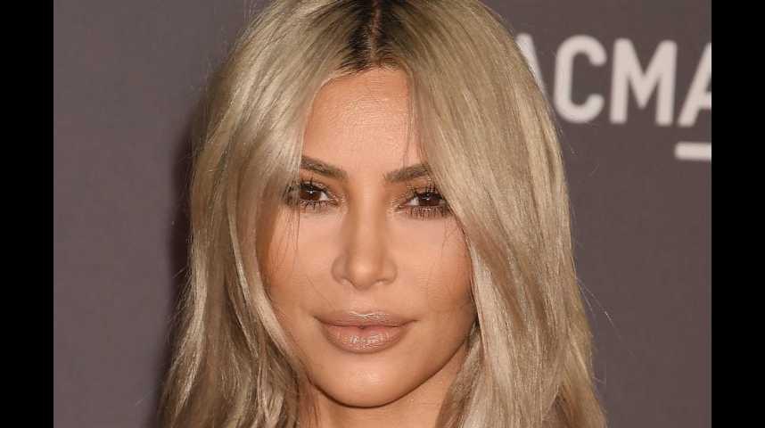 Kim Kardashian frustrée de ne pas porter son enfant