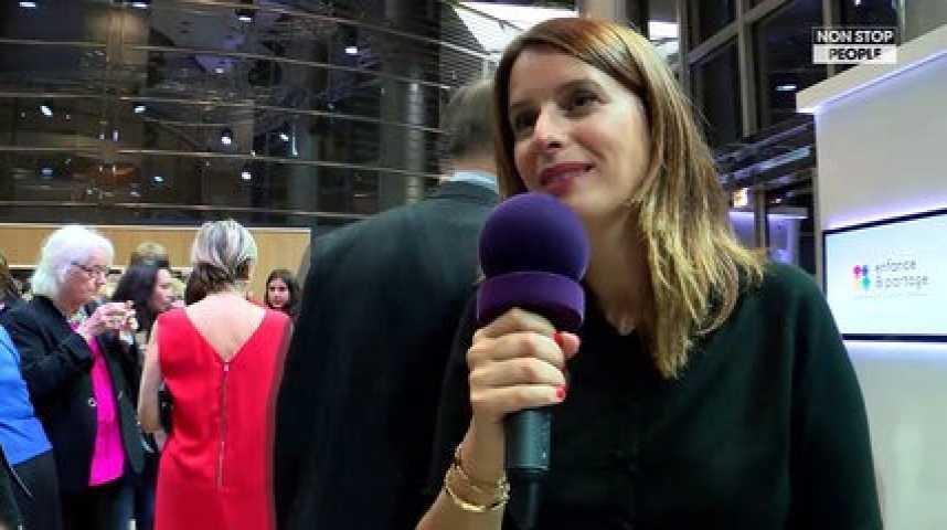 Consentement sexuel à 13 ans : Les stars s'impliquent dans le débat (Exclu vidéo)