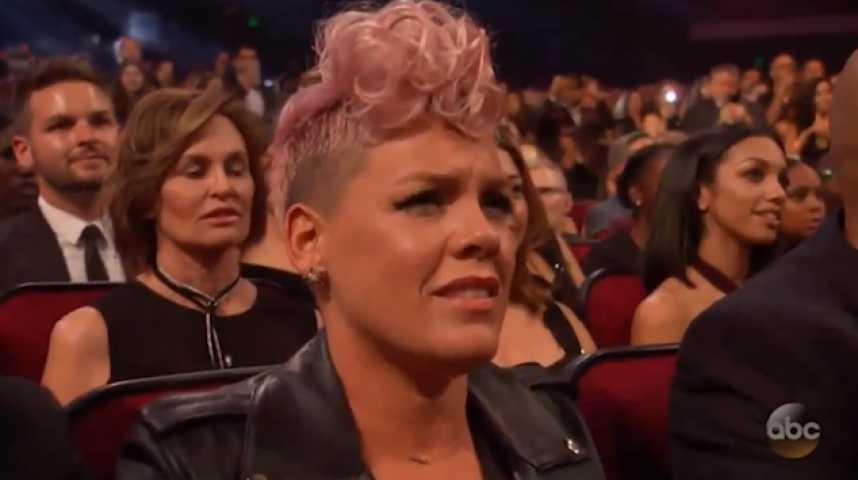 La réaction de Pink écoutant Christina Aguilera qui chante n'est pas passée inaperçue