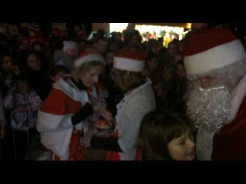 À Douarnenez, le Père Noël marin a débarqué