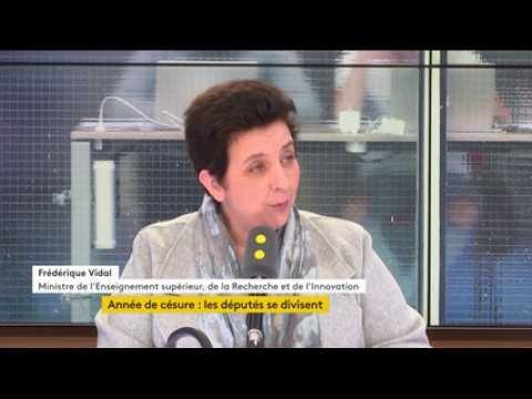 """Réforme de l'université : """"Peut-être que M. Mélenchon ne sait pas que les années de césure se pratiquent déjà très largement"""", dit Frédérique Vidal"""