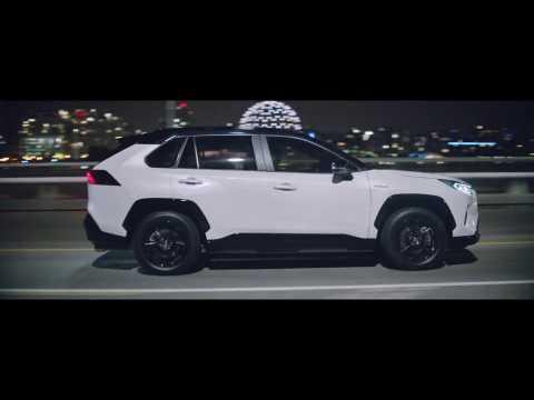 The new Toyota RAV4 Hybrid Night Driving in the City