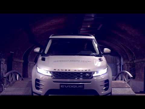 New Range Rover Evoque in White Dynamic drive