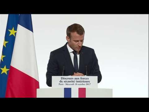 """Macron annonce 13 attentats déjoués depuis le début de l'année """"sauvant des dizaines, peut-être des centaines de vies"""""""