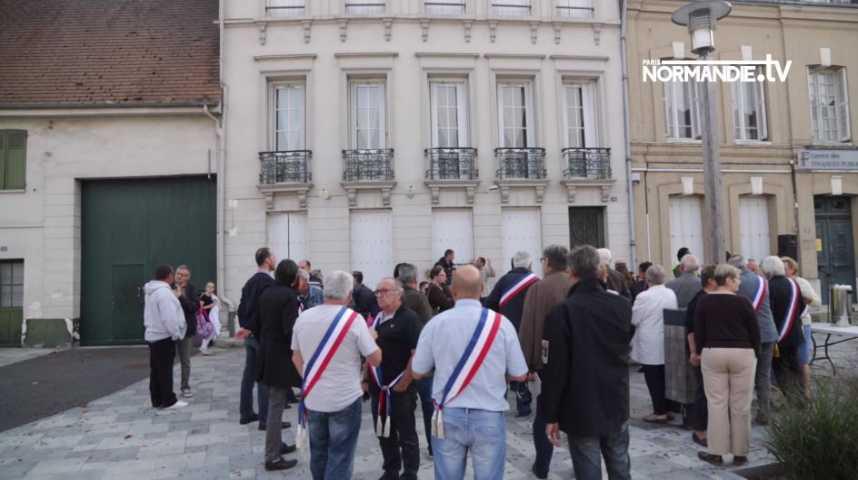 Les élus de la Terres de Bord mobilisés contre la fermeture de la trésorerie de Pont de l'Arche.