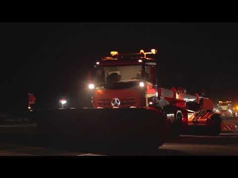 Mercedes-Benz Remote Truck Pferdsfeld - Driving Video at Night