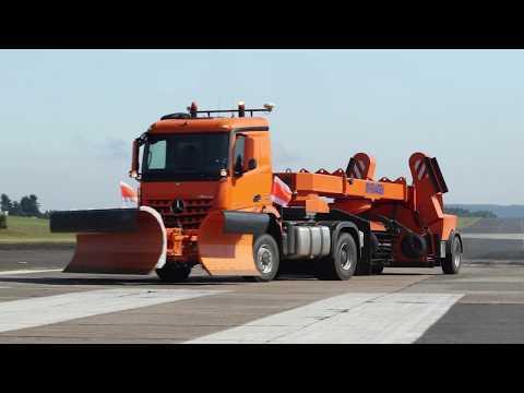 Mercedes-Benz Remote Truck Pferdsfeld - Driving Video at Day