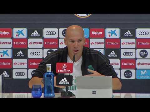"""Real Madrid - Zidane: """"Benzema, c'est le meilleur"""""""