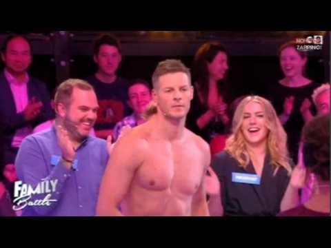 Family Battle : Matthieu Delormeau enflamme le plateau avec un strip tease torride (vidéo)