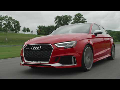 2018 Audi RS3 Driving on the track