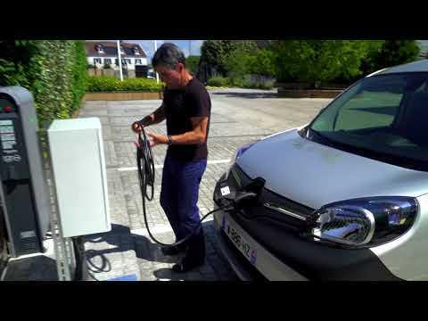 New Renault Kangoo Van Z.E.33 Charging