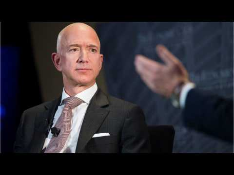 How Much Money Does Amazon CEO Jeff Bezos Make?
