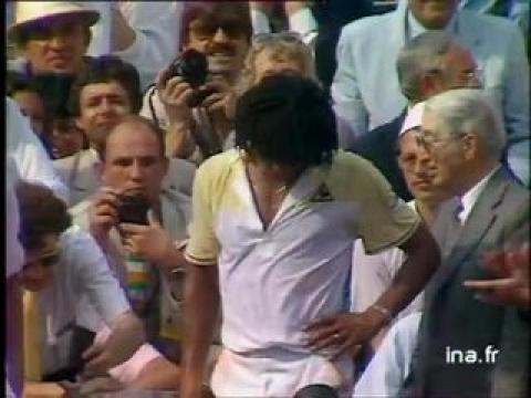 Finale messieurs à Roland Garros  :  Remise de la coupe Yannick Noah