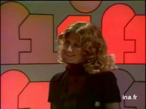 Georges De Caunes présente Evelyne Dheliat, Evelyne Leclercq, Denise Fabre et Chistine Frésia