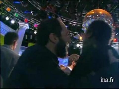 Michaël Youn et Elsa Pataky quittent le plateau de Tout le monde en parle