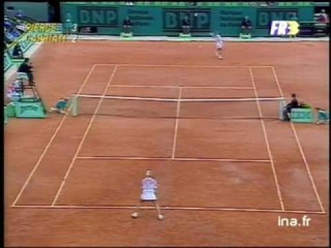 Huitième de finale à Roland Garros : Pierce contre Capriati, premier set