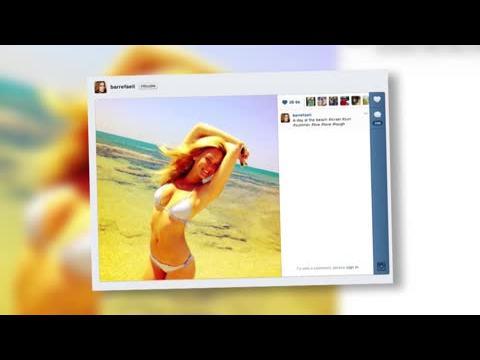 Bar Refaeli dévoile son ventre plat dans un bikini à volant