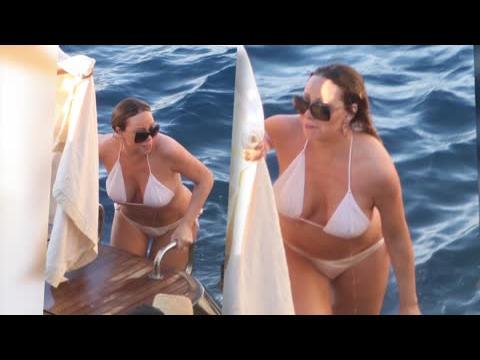 Mariah Carey dévoile ses formes dans un bikini pratiquement inexistant