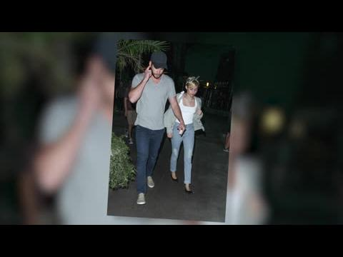 Liam Hemsworth et Miley Cyrus vus ensemble