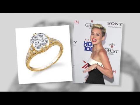 Miley Cyrus a gardé la bague de fiançailles que Liam Hemsworth lui a offerte