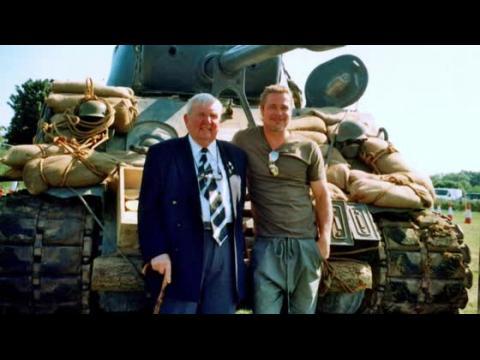 Brad Pitt invite un vétéran de la Deuxième Guerre Mondiale sur le plateau de Fury