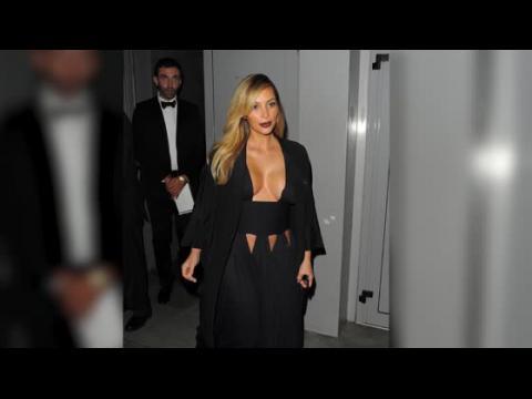 Regardez les meilleurs looks de Kim Kardashian après son accouchement