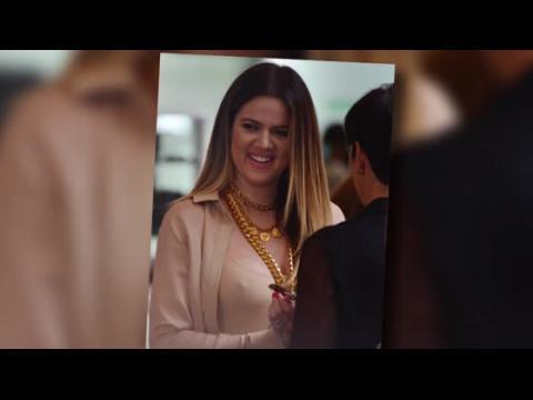 Khloe Kardashian oublie ses problèmes en faisant les boutiques avec Kylie Jenner