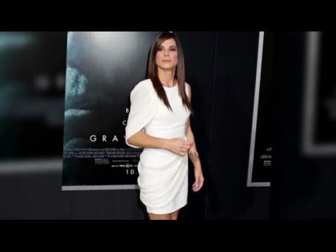 Sandra Bullock est glamour à la première de Gravity
