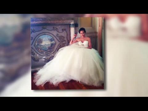 Chrissy Teigen est magnifique dans sa robe de mariée