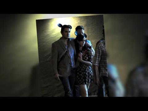 Katy Perry et John Mayer portent des oreilles assorties durant un rendez-vous romantique à Disneyland