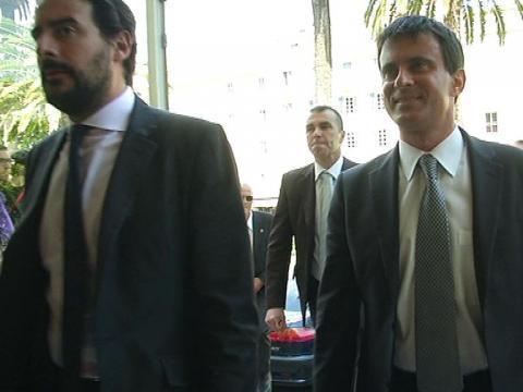 Valls, l'arme anti-FN du gouvernement - 08/10