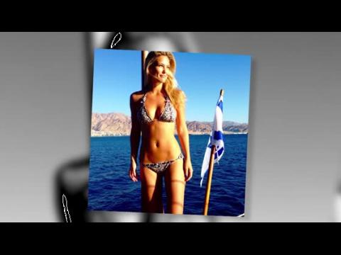 Bar Refaeli dévoile son corps de bronze en bikini