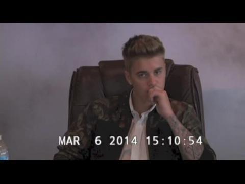 Justin Bieber surpris en train de raconter une blague raciste