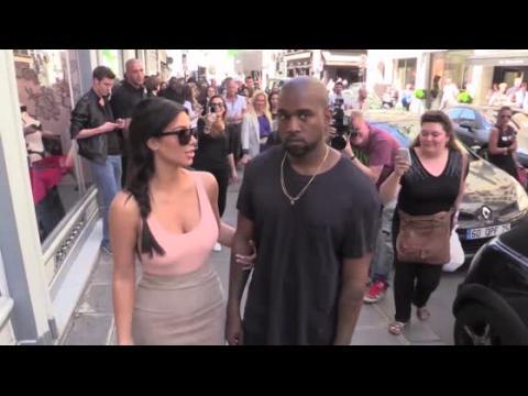 Kanye West protège Kim Kardashian des questions avant leur mariage