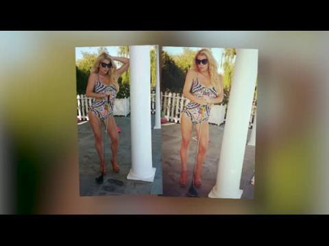 Jessica Simpson dévoile sa silhouette amincie en maillot de bain