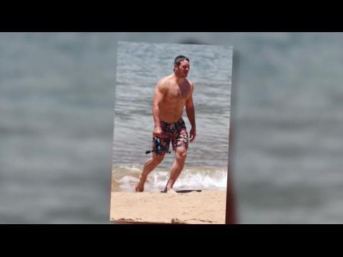 Anna Faris en bikini, et Chris Pratt et ses muscles à la plage