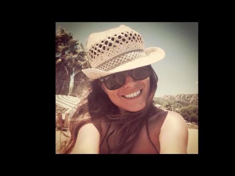 Karine Ferri dévoile son corps de rêve en Corse