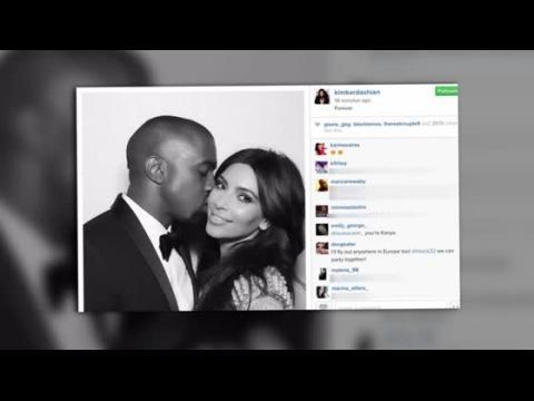 Kim Kardashian célèbre 1 an de mariage avec de vieilles photos