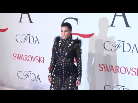 Kim Kardashian souffre de violentes nausées matinales