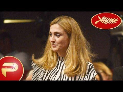 Cannes 2015 - Julie Gayet tout en rayures à la sortie du Festival de Cannes