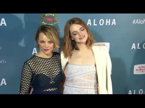 Rachel McAdams et Emma Stone à la première de Aloha à Hollywood