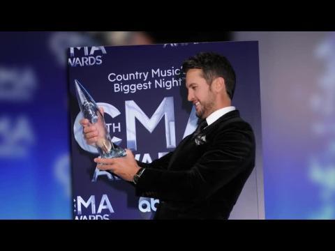 Découvrez les gagnants des Country Music Association Awards 2014