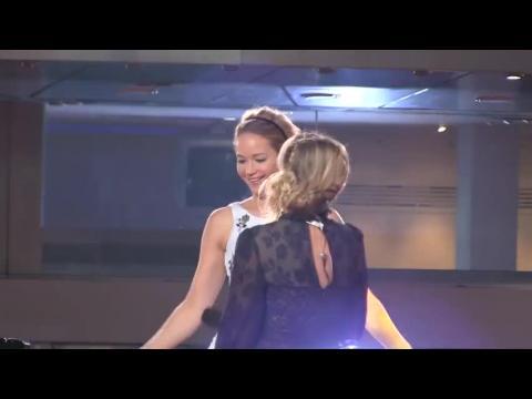 Jennifer Lawrence a un petit problème vestimentaire