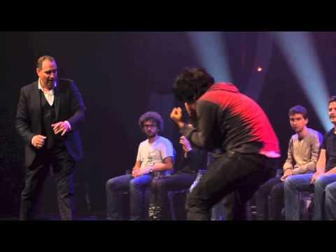 Messmer l'hypnotiseur met en scène Rocky