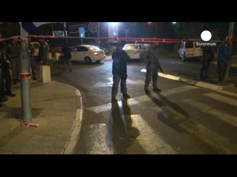 Heurts entre Palestiniens et policiers israéliens, bouclage de l'esplanade des Mosquées